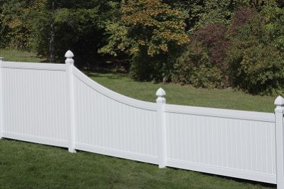 New Lexington Vinyl Fence with Swoop